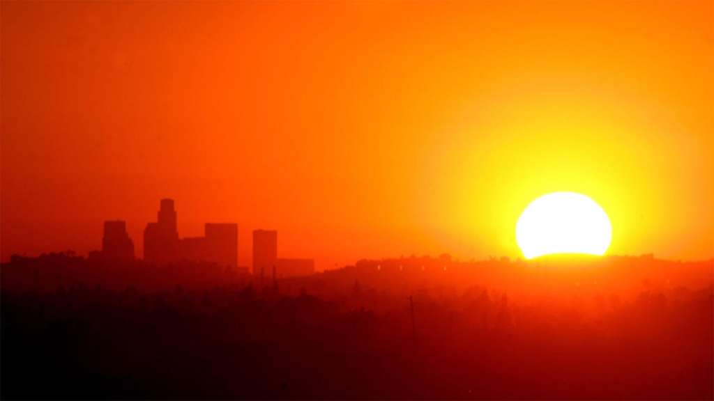 http://www.nbclosangeles.com/news/local/SoCal-Weather-LA-Heat-Record-High-Temperatures-Los-Angeles-Forecast-Southern-California-Heat-Wave-259210691.html